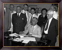 Картина Президент Рузвельт подписывает Закон о социальном обеспечении, Неизвестен