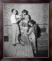 Картина Жак-Ив Кусто демонстрирует свои  изобретения, Неизвестен