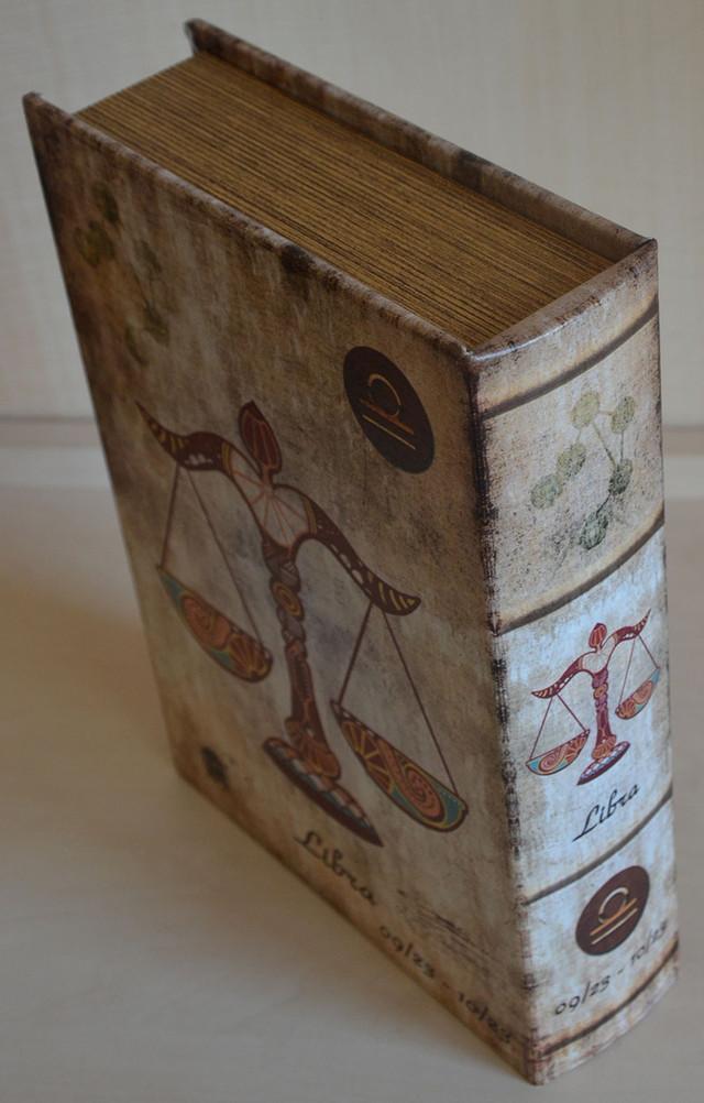 Оригинальная книга шкатулка