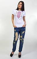 Нарядная женская футболка с вышитым орнаментом