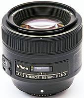 Портретный светосильный объектив Nikon AF-S NIKKOR 85 мм f/1,8G