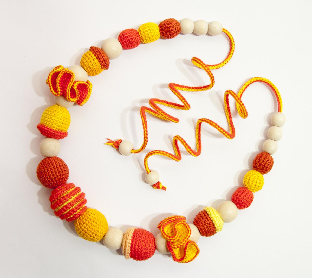 """Слингобусы Ярмирина """"Апельсинки Цветы"""" с рельефными бусинами, буковые, коллекционные, фото 1"""