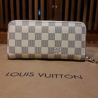Кошелек Louis Vuitton кремовый в клетку, на молнии