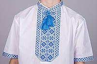 Вышитая рубашка на мальчика с синим орнаментом и короткий рукавом