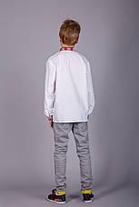 Вышитая рубашка крестиком на белом батисте с красным узором на подростка, фото 3