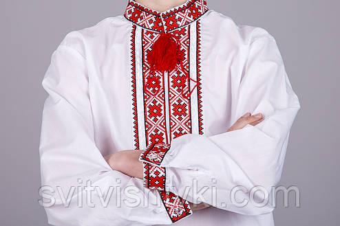 Вышитая рубашка крестиком на белом батисте с красным узором на подростка, фото 2