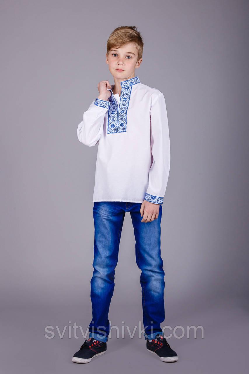 Дитяча вишита сорочка з синім орнаментом і довгим рукавом