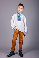 Вышитая рубашка крестиком на белом батисте с оригинальным узором