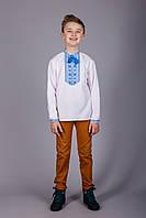 Вышитая рубашка на мальчика с синим узором