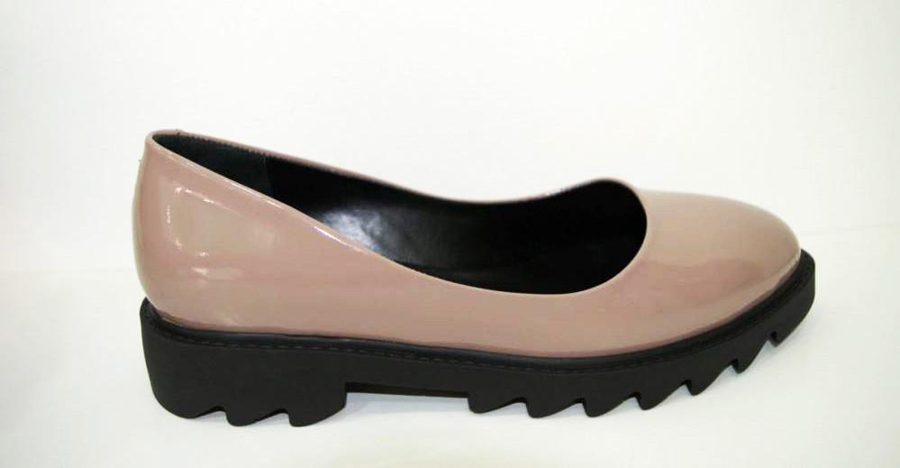Туфли лакированные бежевые Guero 658