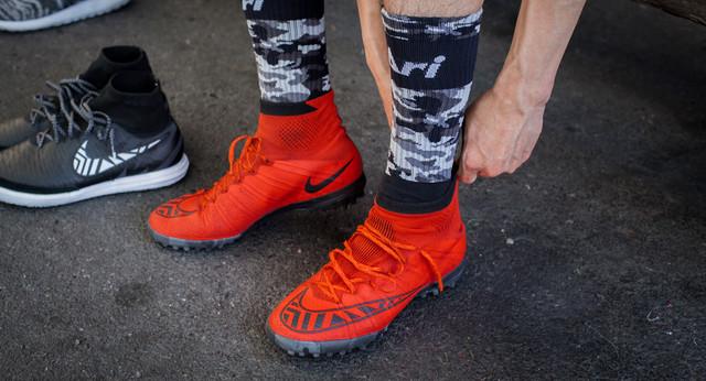 Мужские кроссовки, бутсы, мокасины