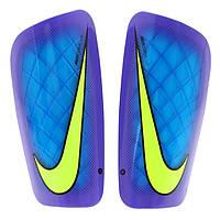 Защитные футбольные щитки Nike Mercurial Lite