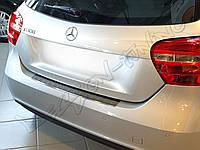 Накладка на бампер с загибом Mercedes A W176 (2012-...)