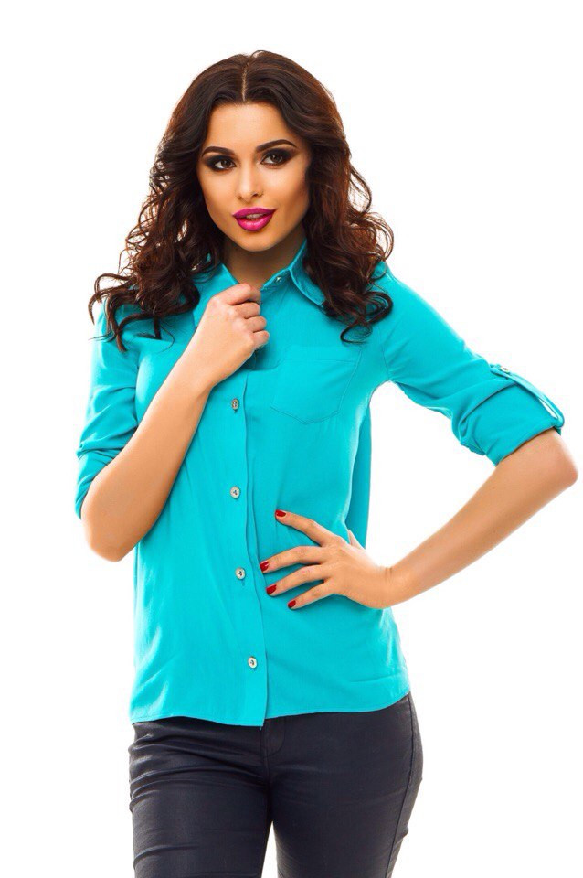 b6bb001e821 Красивая однотонная женская рубашка голубая