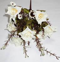 Букет молочных роз с добавками 30 см