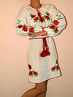 Женское платье вышитое гладью Маки