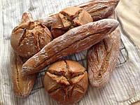 Кукурузный подовый хлеб на пшеничной закваске