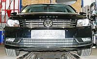 Декоративно-защитная сетка радиатора Volkswagen Passat B7 фальшрадиаторная решетка, бампер