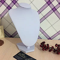 "Подставка ""Белая"" под ожерелья, 22 см х 16 см."