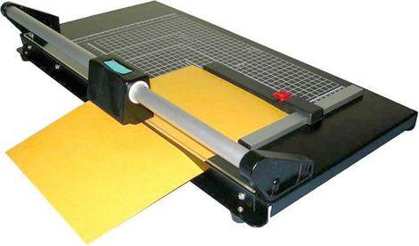 I-005, Paper Trimmer роликовый резак, 1600 мм., до 7 листов, автоприжим стопы.