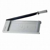 Сабельный резак VANTAGE 10, длина реза 320 мм., 10 листов формата А4, ручной прижим.