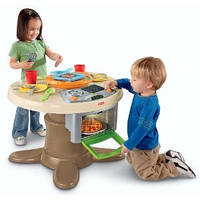 Кухня, стол  Fisher-Price Servin Surprises Kitchen & Table