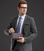 Стильные мужские клатчи – как правильно выбрать подходящую модель?