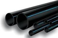 """Труба полиэтиленовая 25*2,0 мм 6 атм черная с синей полосой фтор сырье """"ВорсклаПласт"""""""