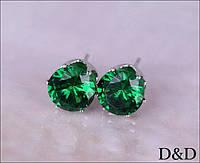 Серьги - гвоздики зеленые серебро
