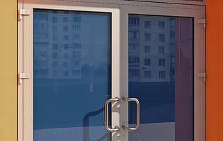 Двери и входные группы