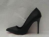 Туфли - лодочки на шпильке черные