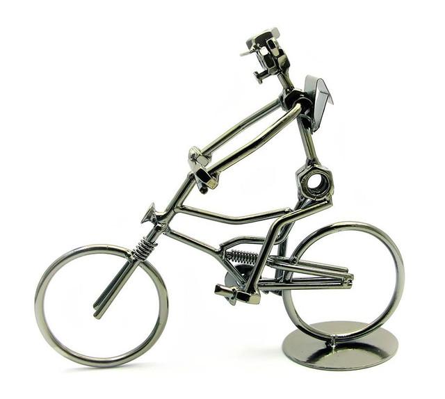 Оригинальная статуэтка  велосипедиста из металла