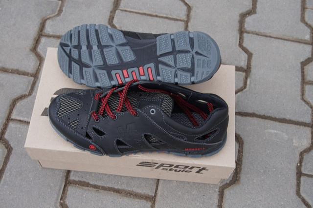 Кросівки Merrell не просто не дають проникнути всередину волозі  їх  поверхня має синтетичні вставки 39a5ed889731e