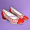 Женские кожаные туфли на невысоком каблуке в красный горошек, фото 3