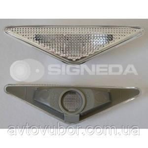 Боковой повторитель Ford Focus 98-04 ZFD1404KC 4355478