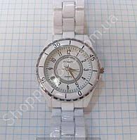 Часы Chanel 113896 женские белые с серебристым ободком на металлическом браслете