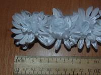 Хризантемки белые маленькие на резинке