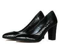 Черные кожаные фактурные туфли-лодочки