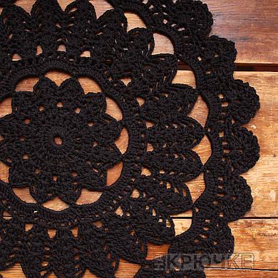 Вязаная салфетка круглая черная