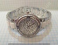 Часы Chanel 113898 женские серебристые с белым циферблатом в стразах на металлическом браслете