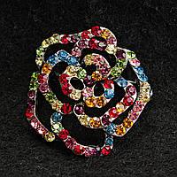 [30/30 мм] Яркая Брошь светлый металл Цветок, усыпанная разноцветными камнями насыщенных цветов