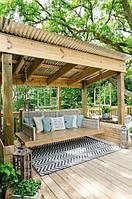 Террасная доска для создания качель в зоне отдыха и в саду