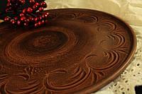Тарелка из красной глины, плоская
