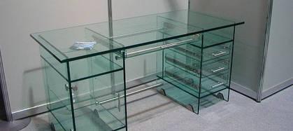 Витрины и торговое оборудование из стекла