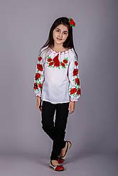 Вишита блуза для дівчинки з червоними маками