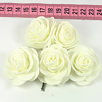 Розы 3.5 см бежевые