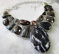 Эксклюзивное колье из натуральных камней