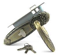 Замок дверной с ручками Cangsong 52 AB