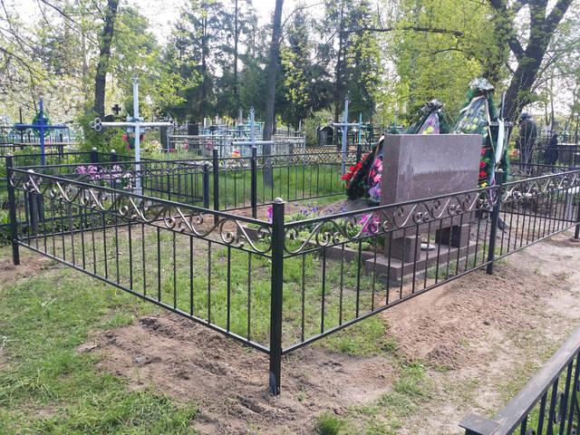 Оградка на кладбище 1
