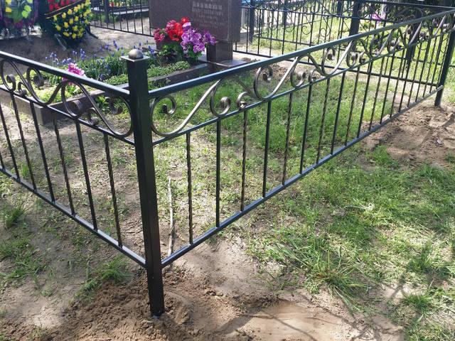 Оградка на кладбище 5